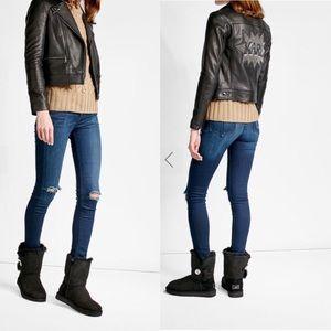 NWT Rag & Bone Skinny Distressed Mid Rise Jeans 24